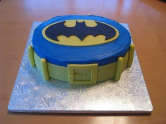 batman belt cake